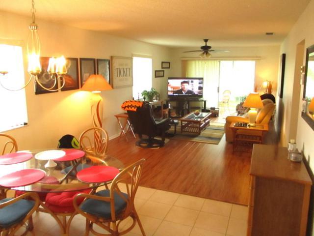 14 Lake Vista Trail #202, Port Saint Lucie, FL 34952 (#RX-10416570) :: United Realty Consultants, Inc