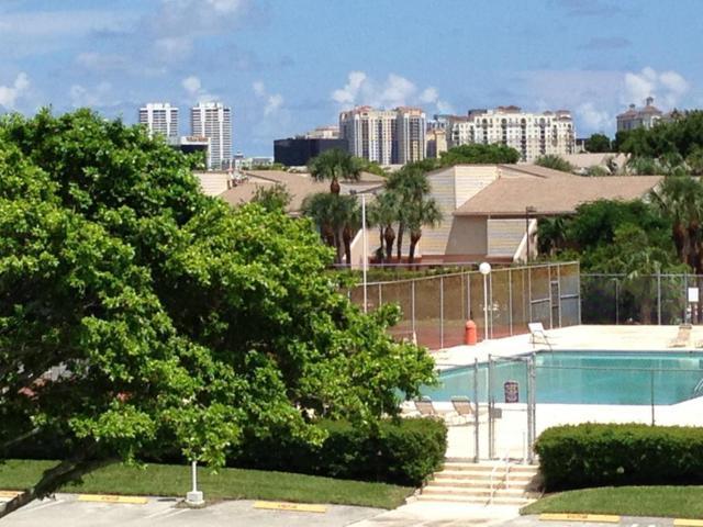 500 Executive Center Drive 3N, West Palm Beach, FL 33401 (#RX-10419343) :: Ryan Jennings Group