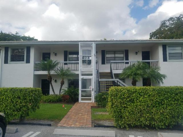 28 Stratford Lane W B, Boynton Beach, FL 33436 (#RX-10428430) :: Ryan Jennings Group