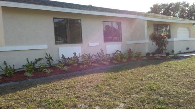 2282 SE Master Avenue, Port Saint Lucie, FL 34952 (#RX-10434442) :: The Carl Rizzuto Sales Team