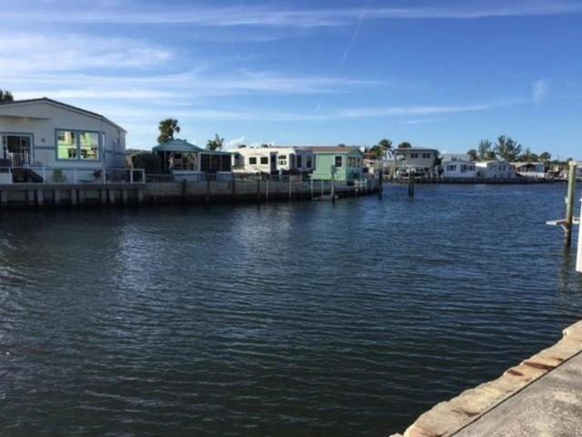 10701 S Ocean Drive #813, Jensen Beach, FL 34957 (#RX-10448212) :: The Haigh Group | Keller Williams Realty