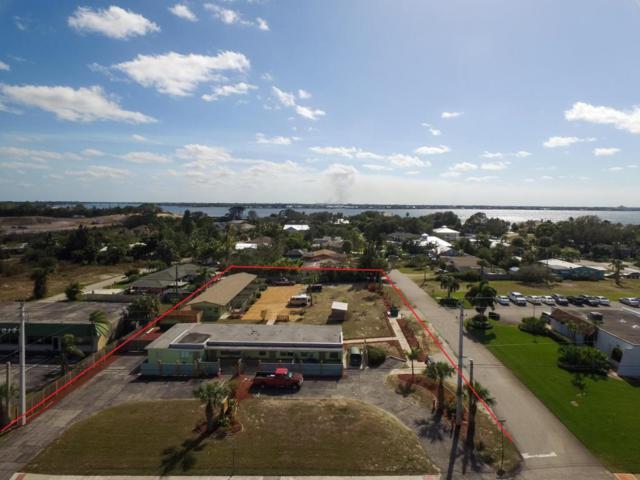 2222 NE Dixie Highway, Jensen Beach, FL 34957 (#RX-10456586) :: The Carl Rizzuto Sales Team