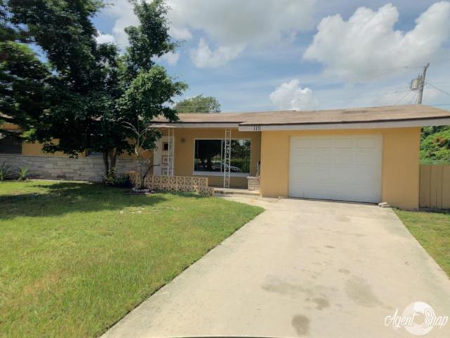 110 NE Entrada Avenue E, Port Saint Lucie, FL 34952 (#RX-10456655) :: The Reynolds Team/Treasure Coast Sotheby's International Realty