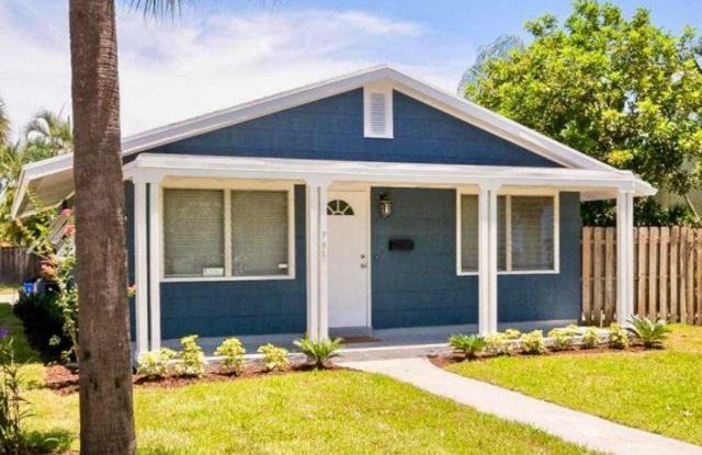 735 Macy Street, West Palm Beach, FL 33405 (#RX-10457448) :: The Carl Rizzuto Sales Team
