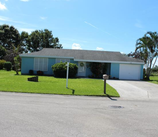 1438 SE Oakmont Lane, Port Saint Lucie, FL 34952 (#RX-10458243) :: The Reynolds Team/Treasure Coast Sotheby's International Realty