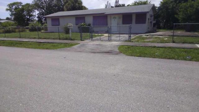 702 NW 3rd Street, Delray Beach, FL 33444 (#RX-10460479) :: Ryan Jennings Group