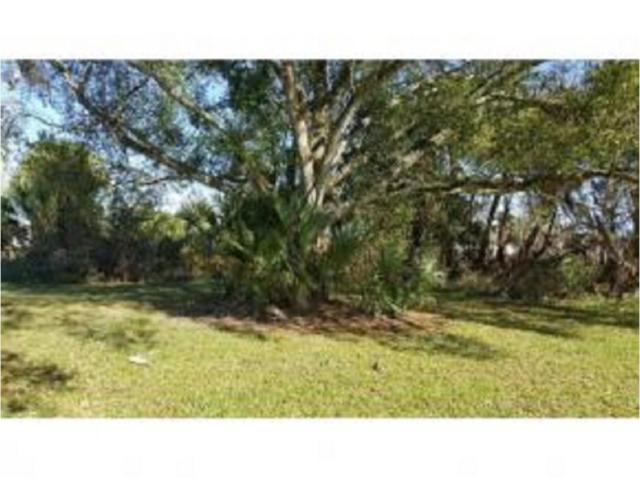 813 SW 2nd Street, Okeechobee, FL 34974 (#RX-10462963) :: Ryan Jennings Group