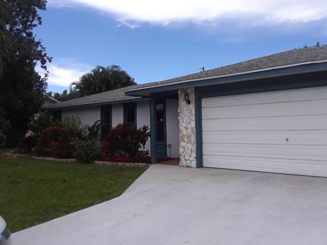 694 SE Evergreen Terrace, Port Saint Lucie, FL 34983 (#RX-10464294) :: The Reynolds Team/Treasure Coast Sotheby's International Realty