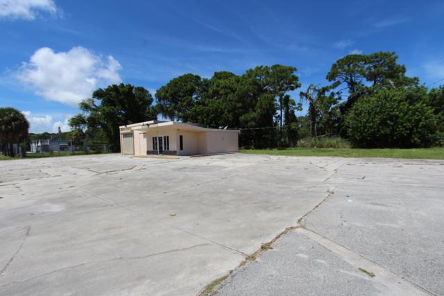 2108 Orange Avenue, Fort Pierce, FL 34950 (#RX-10465579) :: Atlantic Shores