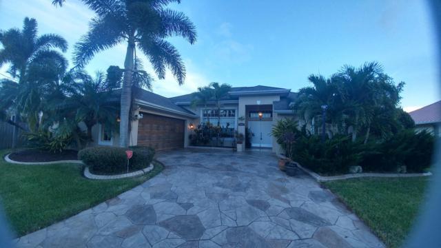2616 SW Acacia Avenue, Port Saint Lucie, FL 34987 (#RX-10467667) :: The Reynolds Team/Treasure Coast Sotheby's International Realty