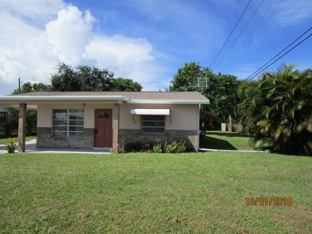 2383 SE Washington Street, Stuart, FL 34997 (#RX-10468864) :: The Reynolds Team/Treasure Coast Sotheby's International Realty
