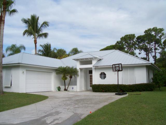 8523 SE Wilkes Place, Hobe Sound, FL 33455 (#RX-10470825) :: Ryan Jennings Group