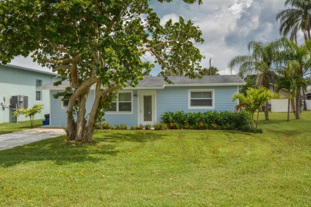 933 SW 35th Street, Palm City, FL 34990 (#RX-10473421) :: The Haigh Group | Keller Williams Realty
