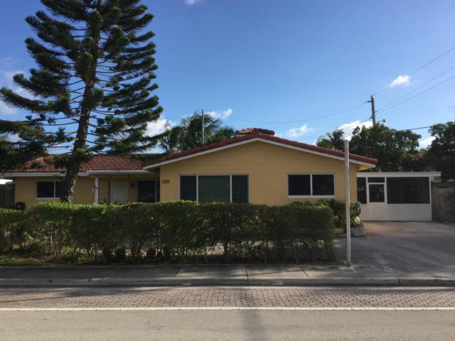 2210 NE 36 Street, Lighthouse Point, FL 33064 (MLS #RX-10474371) :: Castelli Real Estate Services