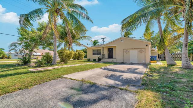 402 W Mango Street, Lantana, FL 33462 (#RX-10478906) :: The Reynolds Team/Treasure Coast Sotheby's International Realty