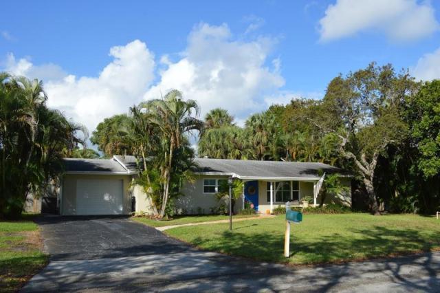 216 SE Wentworth Drive, Stuart, FL 34996 (#RX-10481219) :: Atlantic Shores