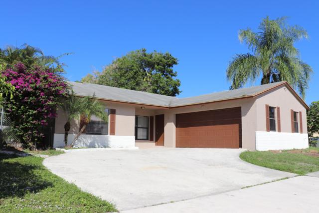 5946 Lincoln Circle W, Lake Worth, FL 33463 (#RX-10482058) :: The Reynolds Team/Treasure Coast Sotheby's International Realty