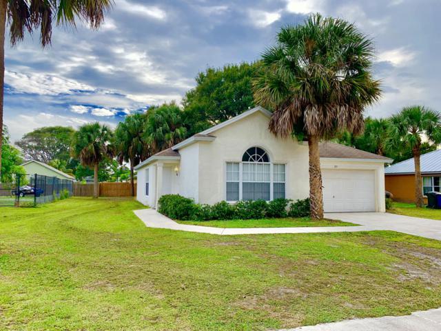 713 Roselyn Avenue, Fort Pierce, FL 34949 (#RX-10482792) :: The Reynolds Team/Treasure Coast Sotheby's International Realty