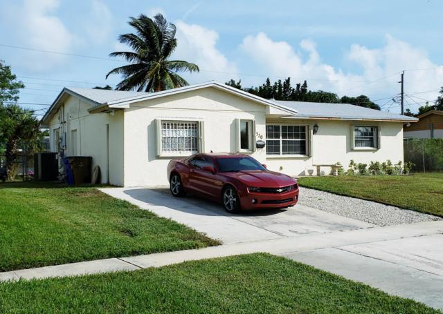 1320 SW 10th Avenue, Deerfield Beach, FL 33441 (MLS #RX-10488650) :: Castelli Real Estate Services