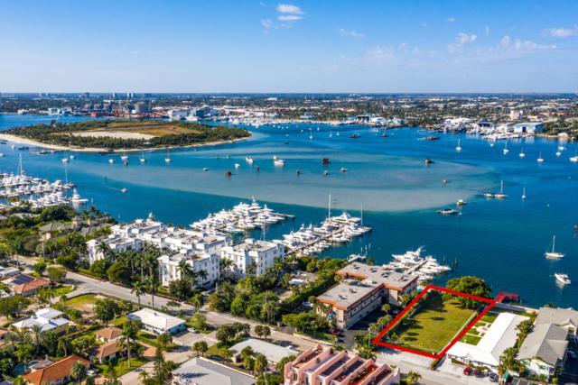 2323 Lake Drive, Singer Island, FL 33404 (#RX-10490467) :: The Reynolds Team/Treasure Coast Sotheby's International Realty