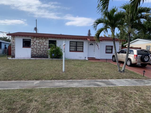 5911 Barbados Way W, West Palm Beach, FL 33407 (#RX-10497221) :: The Reynolds Team/Treasure Coast Sotheby's International Realty