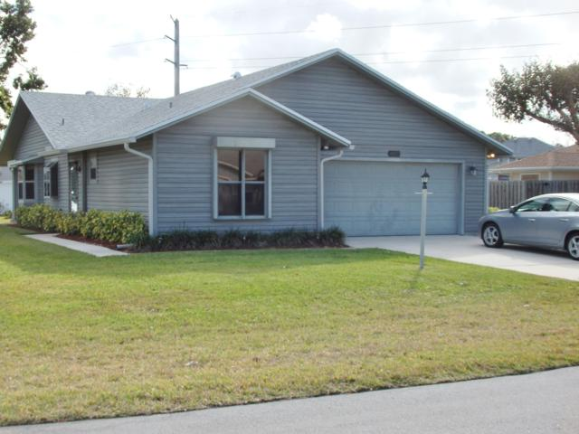 4022 SE Jacaranda Street, Stuart, FL 34997 (#RX-10498197) :: RE/MAX Associated Realty
