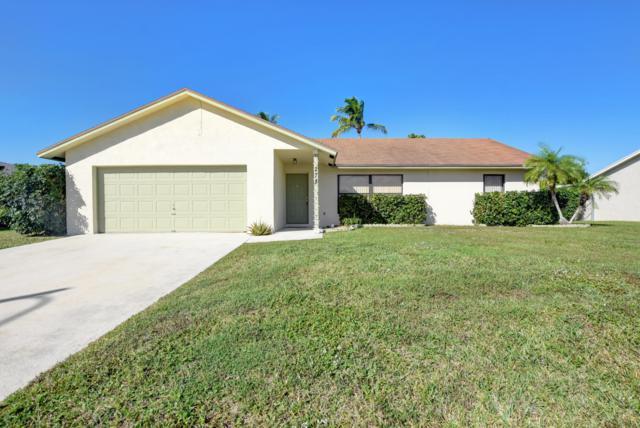 278 La Mancha Avenue, Royal Palm Beach, FL 33411 (#RX-10505546) :: The Rizzuto Woodman Team