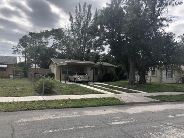 1113 14th Avenue S, Lake Worth, FL 33460 (#RX-10505870) :: Dalton Wade