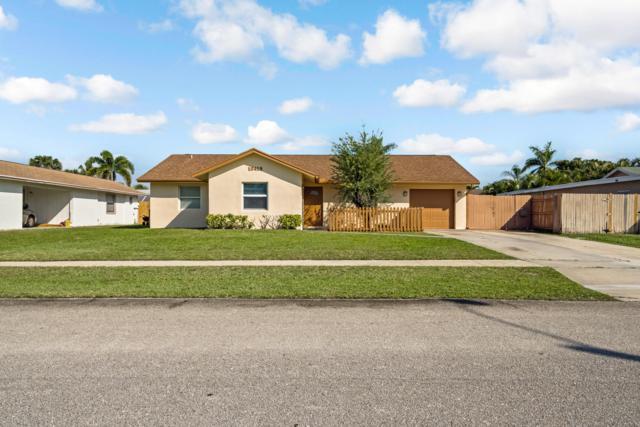 10419 Pippin Lane, Royal Palm Beach, FL 33411 (#RX-10507049) :: Ryan Jennings Group