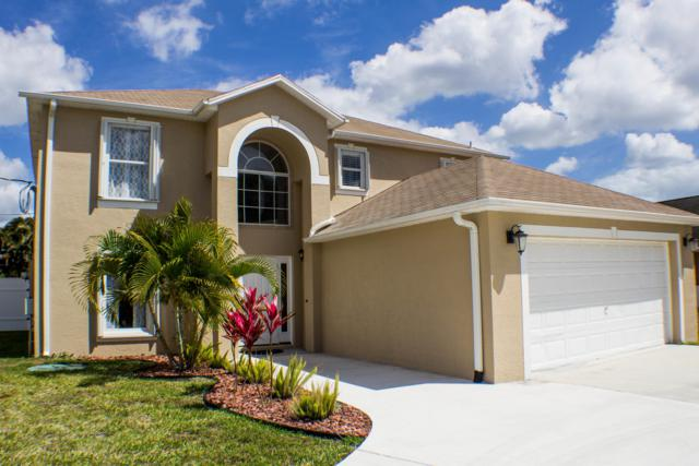 1013 SE Bywood Avenue, Port Saint Lucie, FL 34983 (#RX-10510133) :: The Reynolds Team/Treasure Coast Sotheby's International Realty