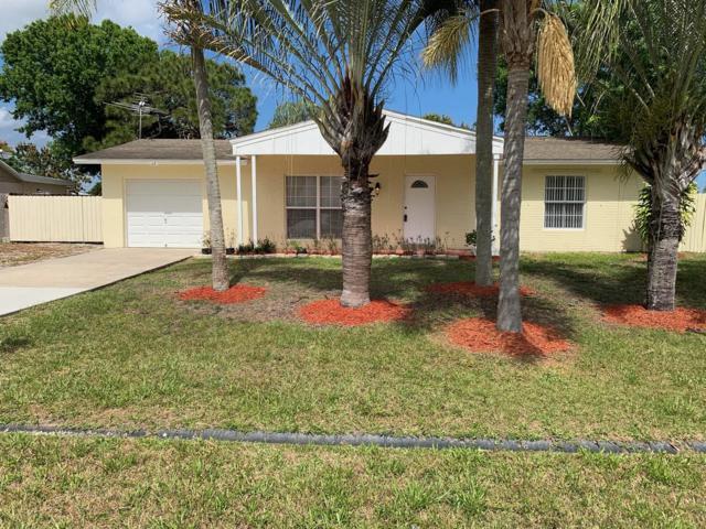 1471 SE Grapeland Avenue, Port Saint Lucie, FL 34952 (#RX-10511377) :: The Reynolds Team/Treasure Coast Sotheby's International Realty