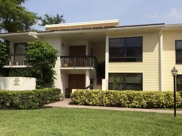 6890 Willow Wood Drive #202, Boca Raton, FL 33434 (#RX-10520666) :: Ryan Jennings Group