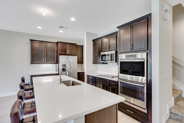 63 Dogwood Court, Royal Palm Beach, FL 33411 (MLS #RX-10520885) :: Berkshire Hathaway HomeServices EWM Realty