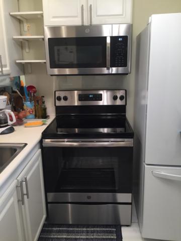 68 Newport D, Deerfield Beach, FL 33442 (#RX-10524615) :: Weichert, Realtors® - True Quality Service