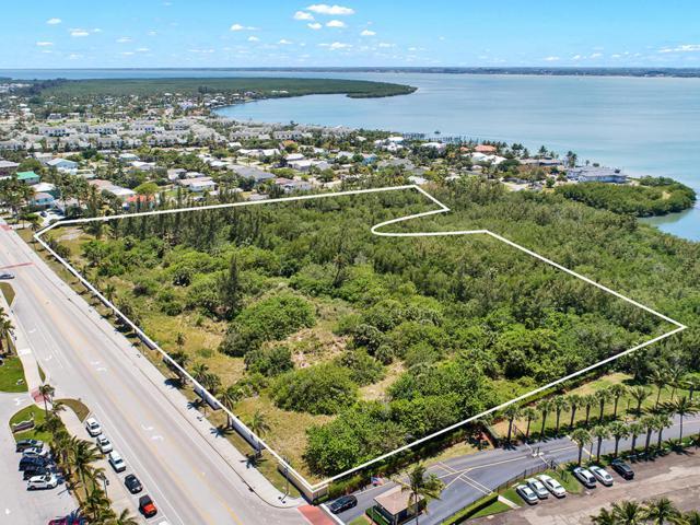 901 S Ocean S Drive, Fort Pierce, FL 34950 (#RX-10527453) :: Ryan Jennings Group