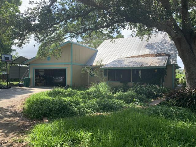 6013 Papaya Drive, Fort Pierce, FL 34982 (MLS #RX-10532156) :: Castelli Real Estate Services