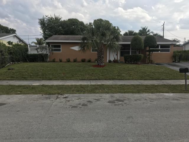 2120 SW 12th Court, Delray Beach, FL 33445 (MLS #RX-10532346) :: Castelli Real Estate Services