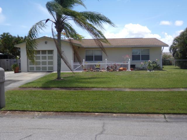 314 NE Camelot Drive, Port Saint Lucie, FL 34983 (MLS #RX-10532377) :: Castelli Real Estate Services