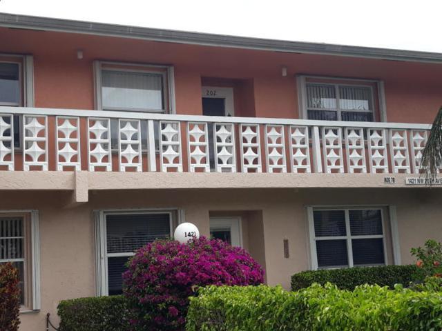 1421 NW 20th Avenue #203, Delray Beach, FL 33445 (#RX-10533455) :: Ryan Jennings Group