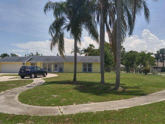 331 NE Camelot Drive, Port Saint Lucie, FL 34983 (#RX-10539533) :: Dalton Wade