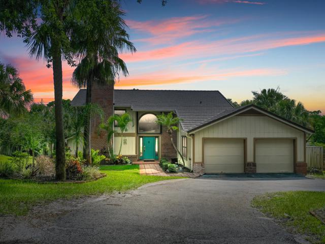 3880 NE Sugarhill Avenue, Jensen Beach, FL 34957 (#RX-10541780) :: Ryan Jennings Group