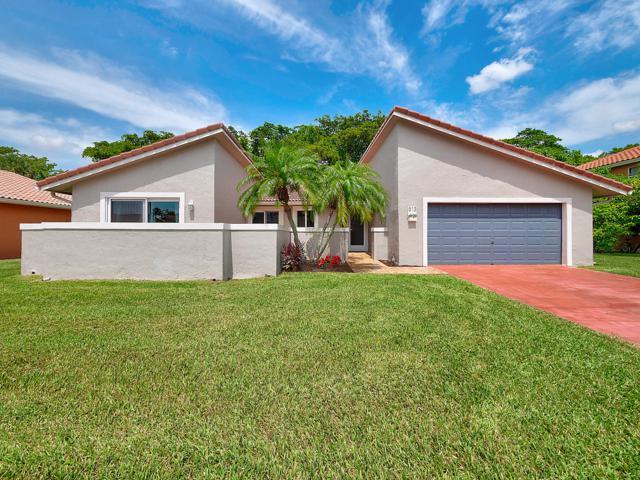 513 NW 48th Avenue, Deerfield Beach, FL 33442 (MLS #RX-10546218) :: Berkshire Hathaway HomeServices EWM Realty