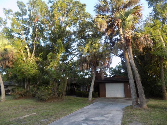 8105 Santa Clara Boulevard, Fort Pierce, FL 34951 (MLS #RX-10547069) :: Castelli Real Estate Services