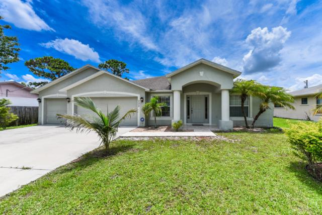 722 SE Celtic Avenue, Port Saint Lucie, FL 34983 (#RX-10547302) :: Weichert, Realtors® - True Quality Service