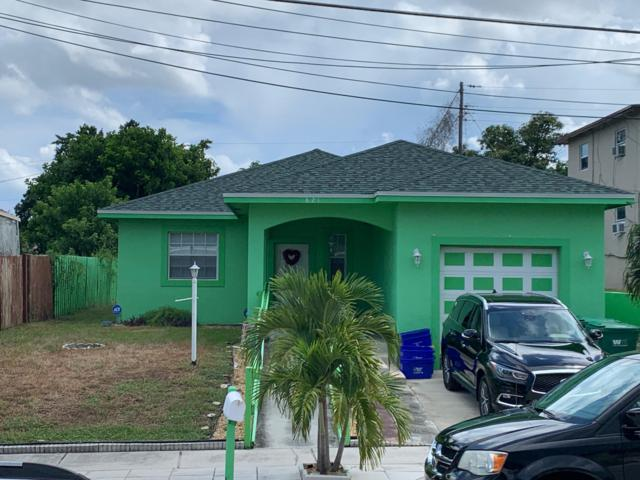 821 W 10th Street, Riviera Beach, FL 33404 (MLS #RX-10550356) :: Berkshire Hathaway HomeServices EWM Realty