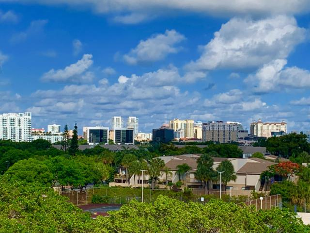 500 Executive Center Drive 5L, West Palm Beach, FL 33401 (#RX-10550458) :: Ryan Jennings Group