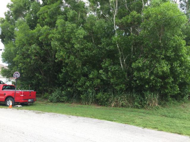 5670 NW Consumer Avenue, Port Saint Lucie, FL 34983 (#RX-10552636) :: Ryan Jennings Group