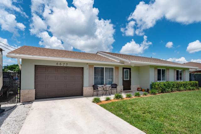 6625 Venetian Drive, Lake Worth, FL 33462 (#RX-10553334) :: Ryan Jennings Group
