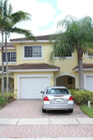 968 Imperial Lake Road, West Palm Beach, FL 33413 (#RX-10557366) :: Dalton Wade
