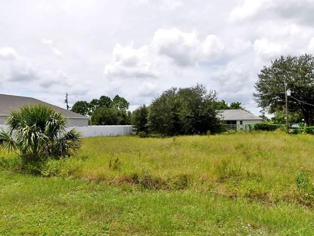 668 SW Cynthia Street, Port Saint Lucie, FL 34983 (#RX-10557413) :: Ryan Jennings Group